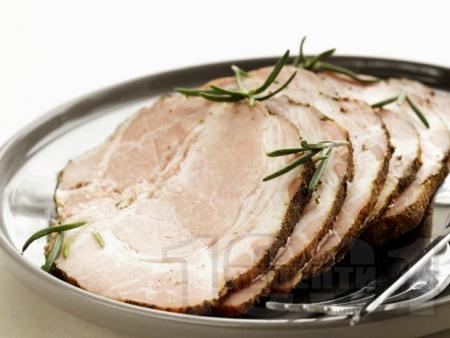 Печен свински врат на фурна с подправки на фурна - снимка на рецептата